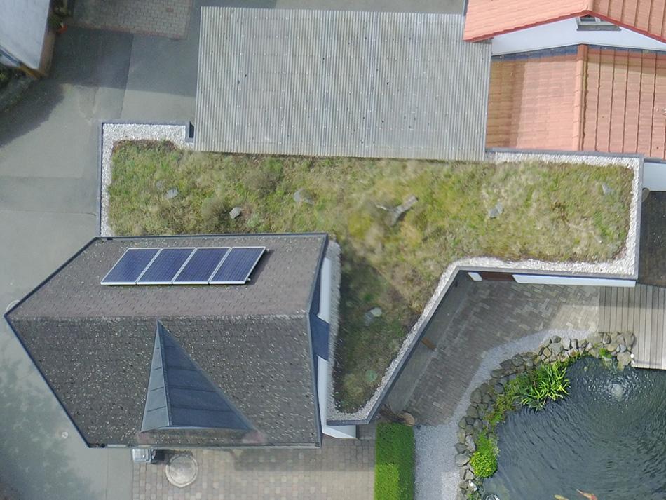 Dachdecker Huthwelker in Korbach und Frankenberg Gründach Flachdach Balkon
