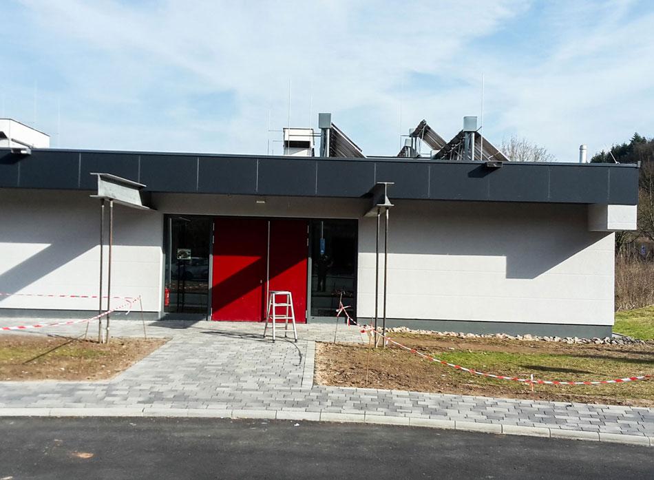 Dachdecker flachdach  Flachdach / Gründach - Ihr Dachdecker in Voehl Korbach Bad Wildungen